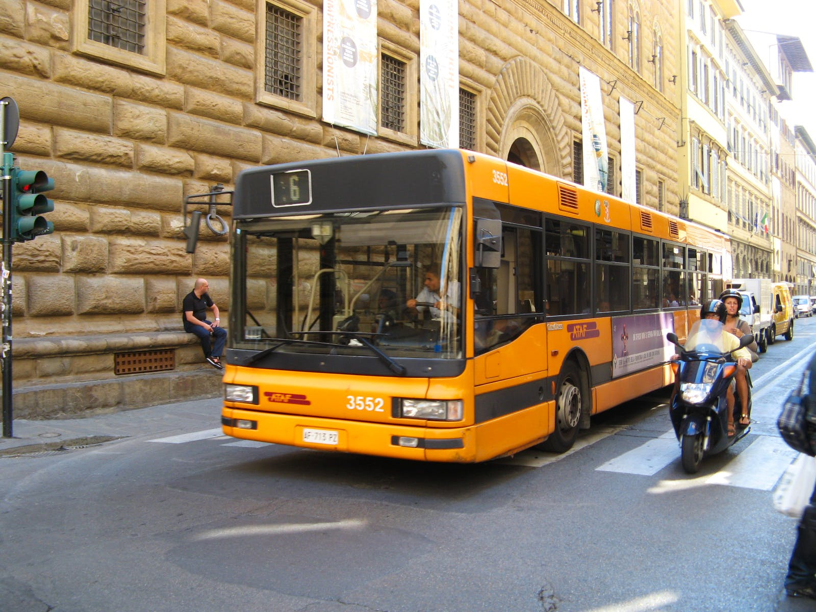 Moving Around Florence by Bus:Ataf Bus System in Florence,Italy