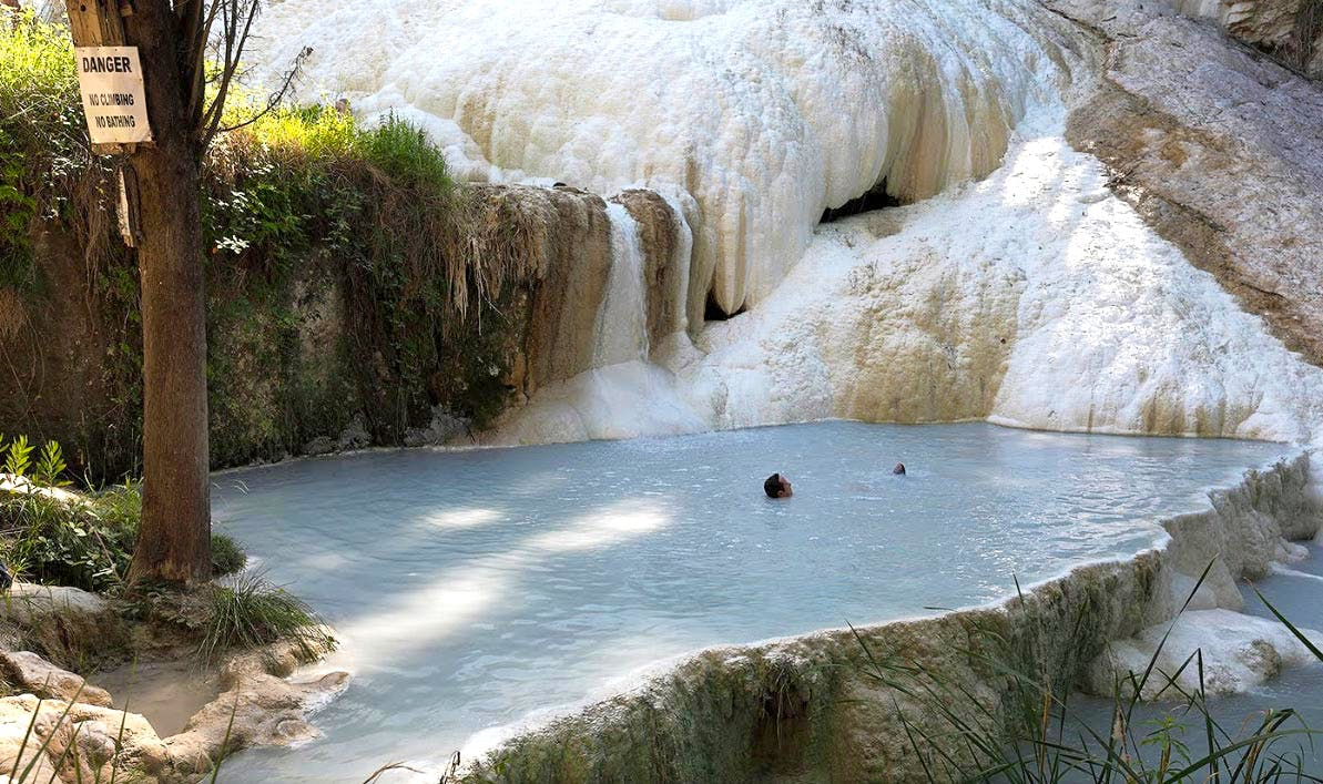 http://cdn2.discovertuscany.com/img/hot-springs/san-filippo-pool.jpg?auto=compress,enhance,format&w=