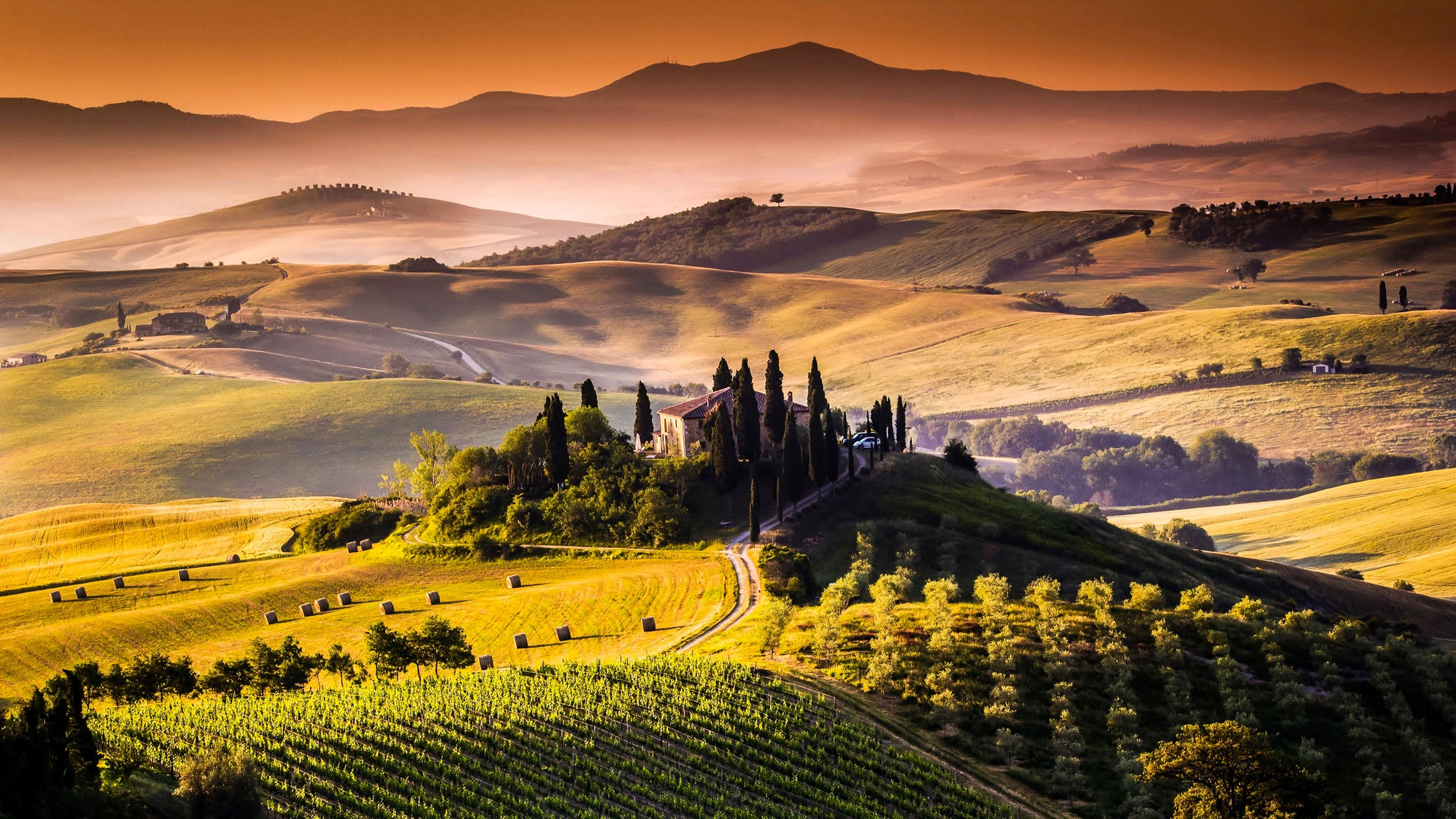 TuscanyItaly Tourist Travel Guide To Holidays In Tuscany - Tranquil photos capture the beauty of tuscanys countryside